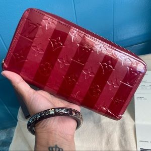 ❤️AUTH LOUIS VUITTON ZIPPY WALLET❤️